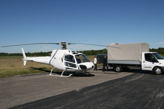 Helicopter cargo flight for automotive suppliers